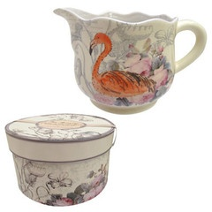 A gorgeous jug from The Aviary collection by Disaster Designs. It is presented in a gorgeous box, which makes it an ideal gift for someone - or the perfect addition to your kitchen!