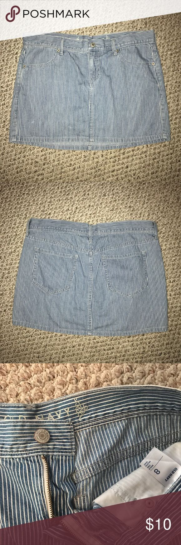 """Striped skirt, size 8 Old Navy striped skirt, length is 13.5"""", used condition Old Navy Skirts Mini"""