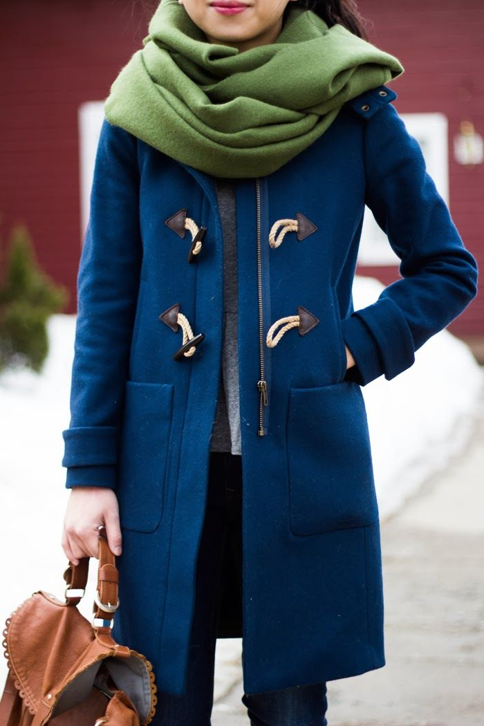The color of this duffle coat is just what I would like! Again, I like that it's has a double-closure (zipper and toggles).