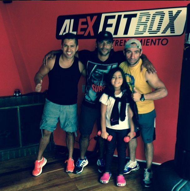 Una rutina más con @alexfitbox y enseñando a mi hija q ame el ejercicio ⚽️