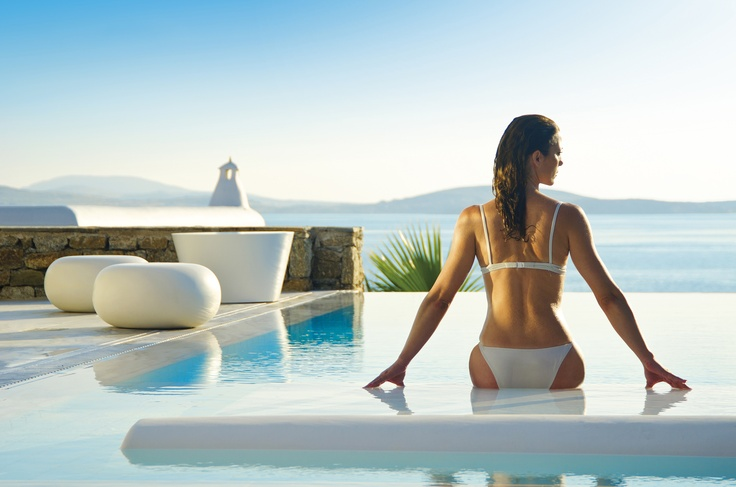 Outdoor area of one of the Grand Suites with infinity private pool - Mykonos Grand Hotel & Resort