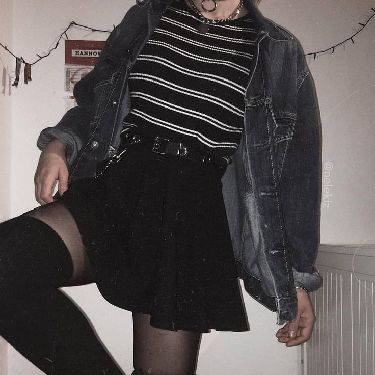 Look E Girl Tumblr Inspiracao Jesus Ama Voce Aesthetic Grunge Outfit Retro Outfits Grunge Outfits