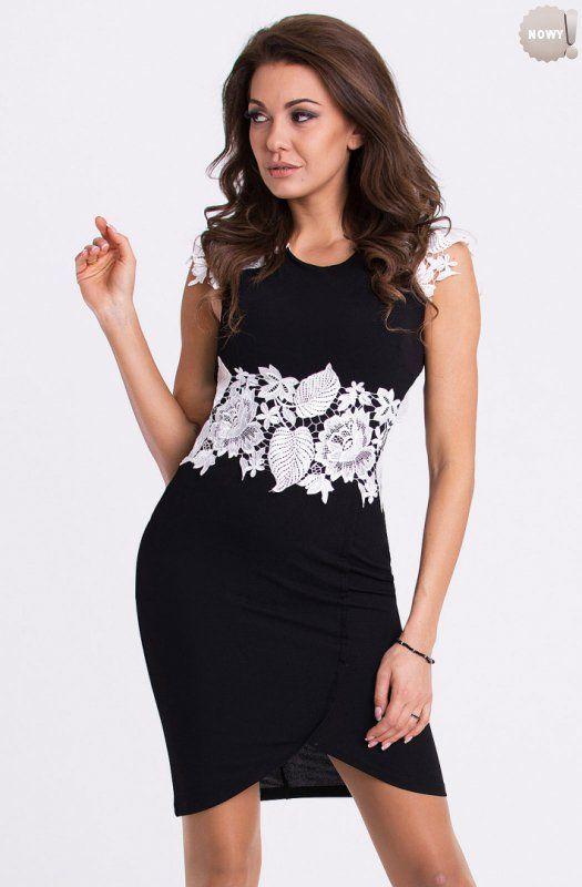 Dopasowana do sylwetki, elegancka sukienka ozdobiona haftem. #lato #kobieta #sukienka #elegancka #trendy #haft