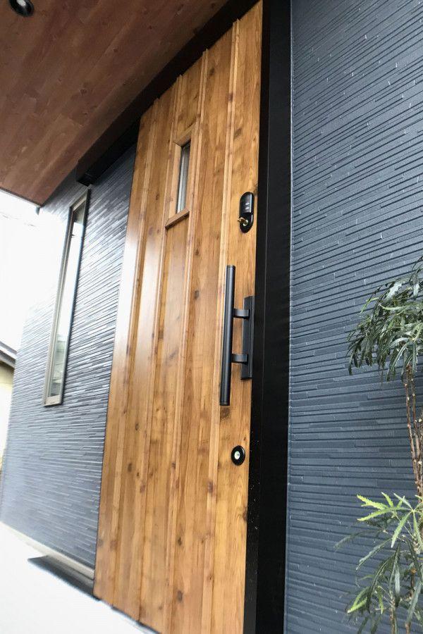 二世代が並んで暮らす家 子世代 二階建て 京都で新築 建替えをお考えなら 注文住宅キノハウスへ 玄関 引き戸 玄関ドア 引き戸 玄関ドア おしゃれ