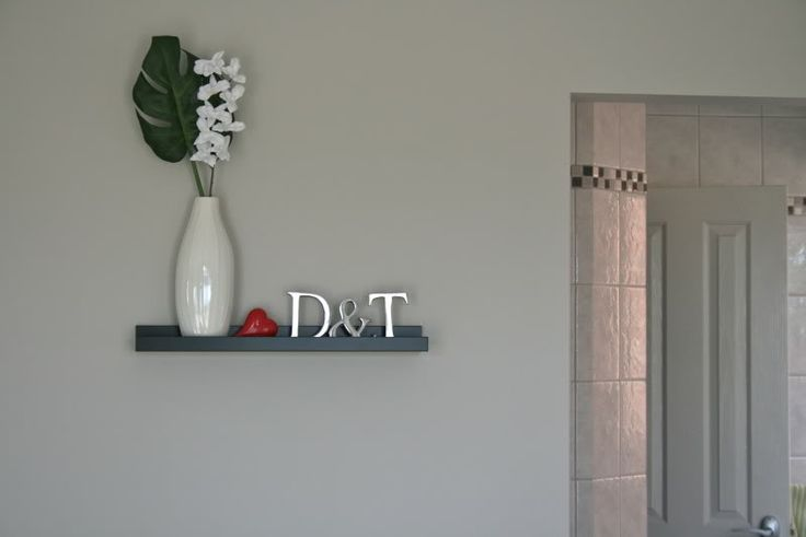 Simple decoration with full strength Dulux White Duck paint