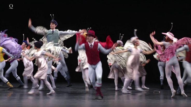 30 seconds of... 2016  Genießen Sie die Feiertage! Mit 24 Szenen aus unseren aktuellen Neuproduktionen der Oper und des Balletts laden wir Sie ein das Theater-Jahr 2016 noch einmal Revue passieren zu lassen und sich an Ihre schönsten Momente im Opernhaus Düsseldorf und im Theater Duisburg zu erinnern. Seit 60 Jahren besteht die Theatergemeinschaft unter deren Dach rund 570 Menschen aus 35 Nationen in 50 unterschiedlichen Berufen gemeinsam daran arbeiten dass sich abends für Sie der Vorhang…