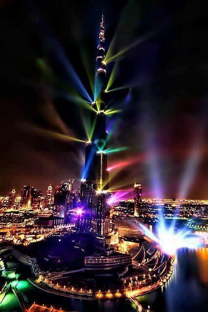 LIGHT SHOW -BURJ KHALIFA, DUBAI