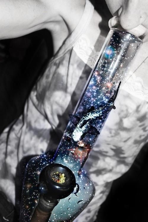 ℒᎧᏤᏋ this cool Galaxy bong..Via @weedchronicle on Twitter ღღ