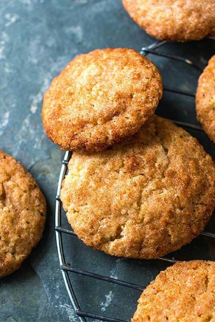Het recept voor deze vanille #koekjes met kaneel (ook wel: #snickerdoodles) komt uit het boek Powerfood, Yoga & Meditatie van Tara Stiles. Het zijn de koekjes die ze het allerliefste maakt (en eet)!