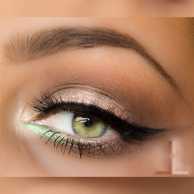 neutral everyday makeup @linzlewsions w/ winged liner (wing softened) + pop of mint on the lower inner corner