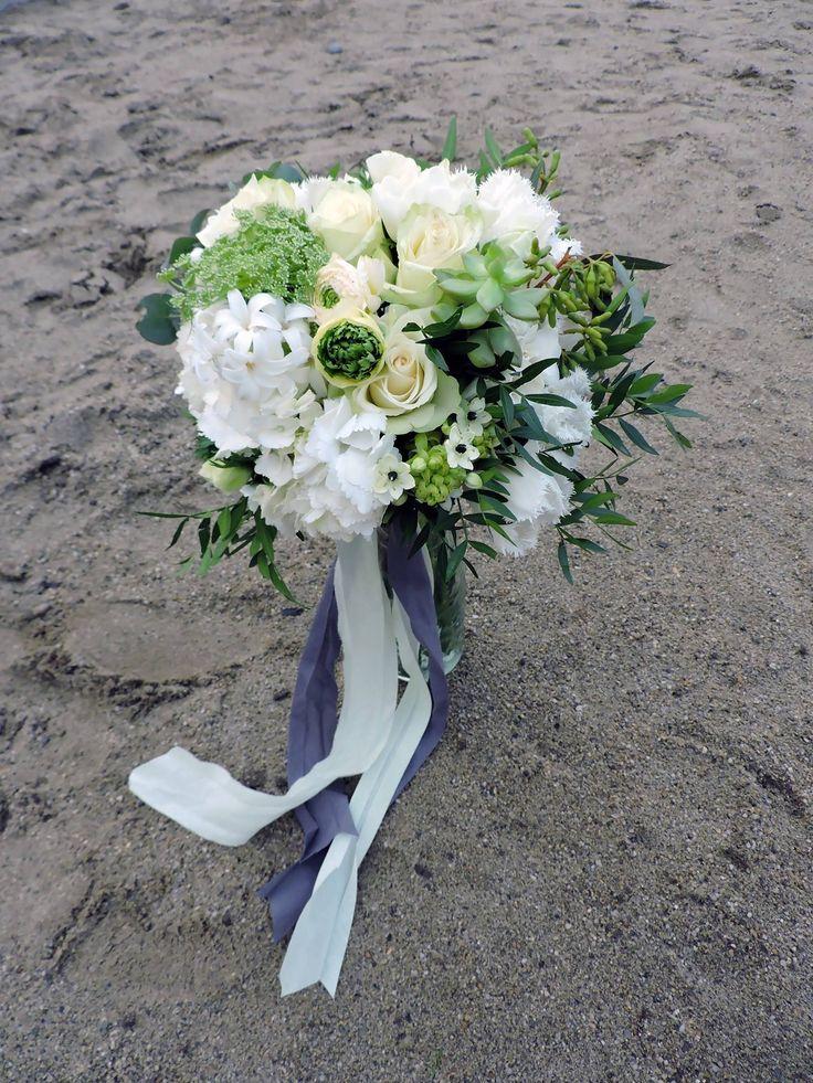 Bridal bouquet green & white