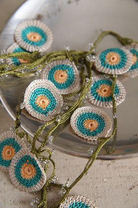 'Tığ oyası' (crocheted lace).