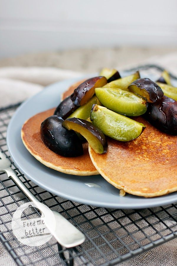 Bezglutenowe placki (pancakes) z mąki jaglanej.
