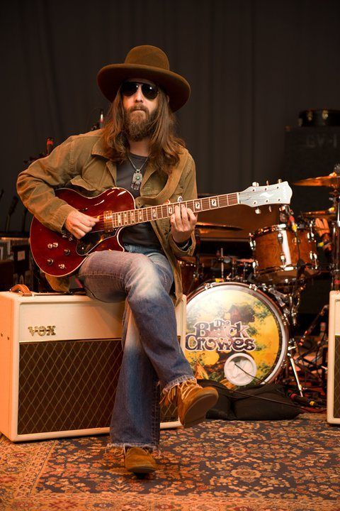 The Black Crowes - Chris Robinson is just the coolest. I LOVE his style.