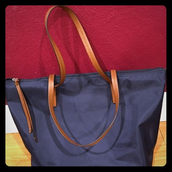"""Banana Republic Tote Bag Tote handbag 19"""" width, 7"""" flat bottom, 11"""" length. Leather handle. Some wear still in good condition. Banana Republic Bags Totes"""