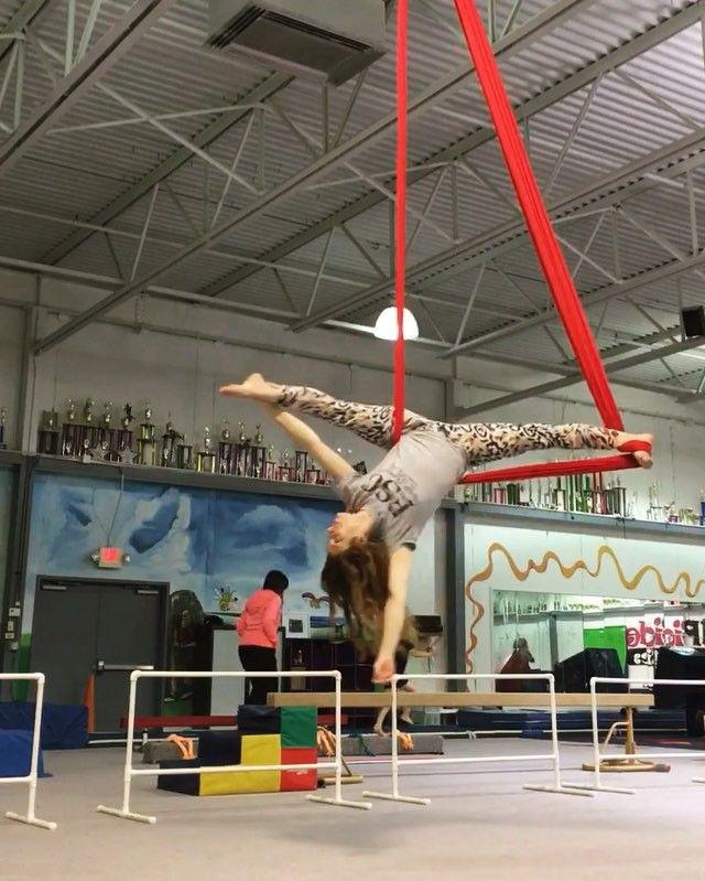 All da shapes #aerialistsofig#aerialnation#circusinspiration#usaerial#itshappyhere#circusartistcirque USA #fitnessinflight