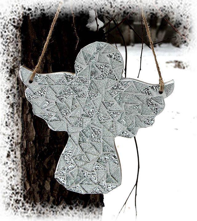 Ангел. Стеклянная мозаика. 25 см. #angelito #angel #mosaicartwork #mosaicart #almatyhandmade #handmadealmaty #craft #craftsmanship  #almaty #astana #мозаичныйангел #ангел #ручнаяработаалматы #алматы #бишкек #астана #красотаалматы