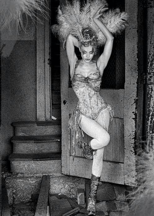 Cabaret Showgirl