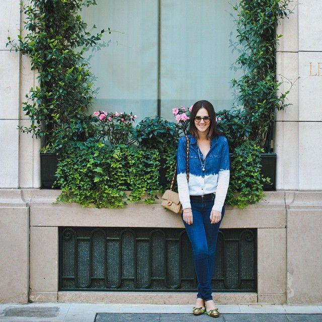 Look da Vic: Camisa Shoulder, calça jeans Seven / bolsa Chanel