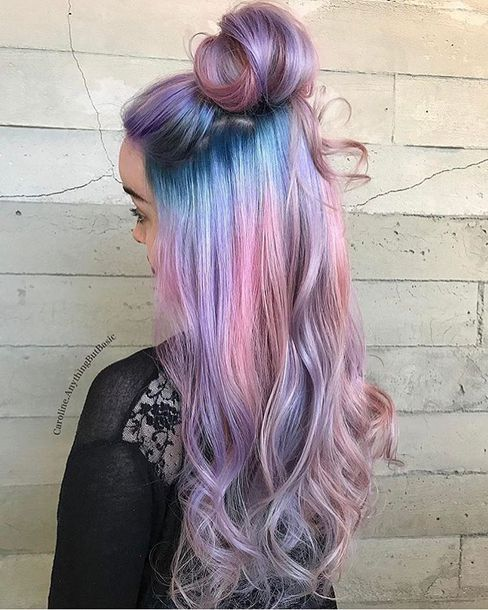 Loving the mermaid hair trend with rainbow blue and pink hues, inspired by the enigmatic sea.