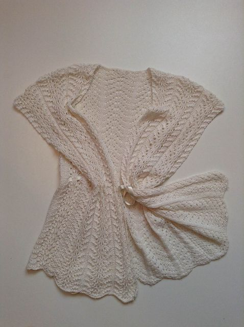 VENICE * WeHandKnit Ltd. WitchMade Collection Winter '15 * Wear it! Order it! €140 / L100 Witchmade@wehandknit.com  Made from Drops Baby Alpaca * Silk Made by experienced knitters * Made with love * Made for you