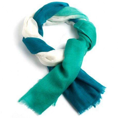Trefarvet cashmere sjal i azurblå, hvid og havgrøn