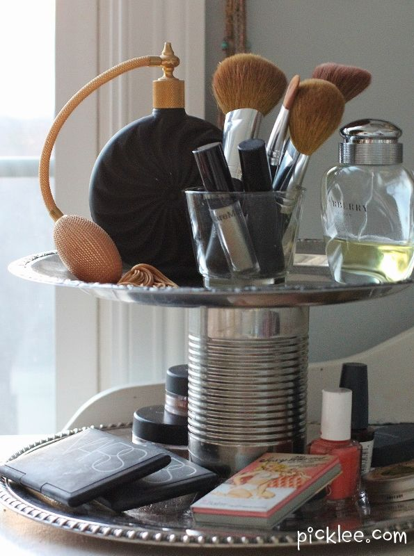 The Swanky Two-Tier Organizer {DIY} | Picklee10 Diy, Makeup Organic, Vintage Plates, Diy Crafts, Organic Ideas, Beautiful High, Diy Organic, Master Bath, Diy Makeup