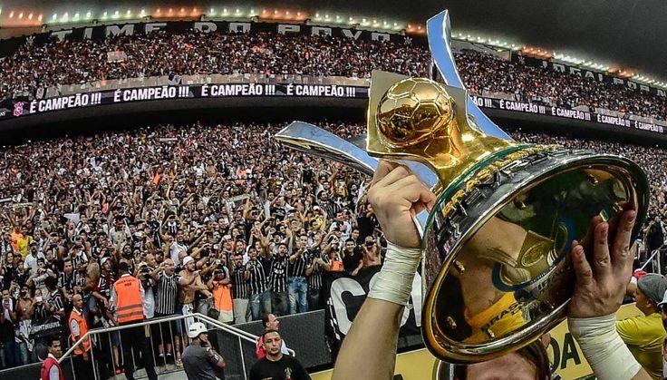 Sport Club Corinthians Paulista - Corinthians goleia São Paulo por 6 a 1 e faz história no jogo de entrega da taça do sexto título do Campeonato Brasileiro