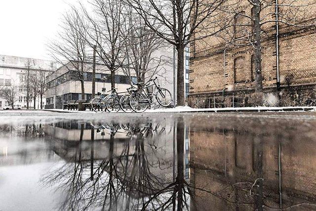 A 1 hour snowfall and a half hour walk. . . . . #neverstopexploring #longexposure_shots #agameoftones #night_shooterz #ig_masterpiece #aukeylens #magicpict #ig_nightphotography #astrophotography #splendid_xposure #longexpoelite #monumenttothebattleofthenations #icu_architecture #s8plus #creative_architecture #arkiromantix #tv_architectural #archimasters #excellent_structure #arquitecturamx #diagonal_symmetry #lookingup_architecture #unlimitedcities #ig_deutschland #foolhardyphotography…