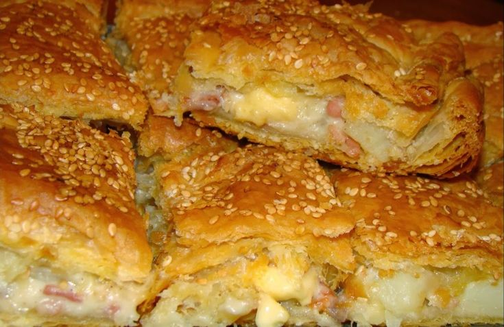 i-rena: Πίτα με πατάτες, μπέικον και τριμμένο τυρί
