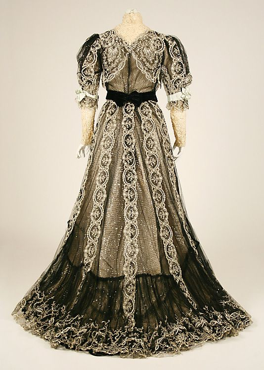 Dress.  House of Worth (French, 1858–1956).  Date: 1906. Culture: French. Medium: silk, cotton. Dimensions: (a) Length at CB: 18 in. (45.7 cm). (b) Length at CB: 52 in. (132.1 cm).