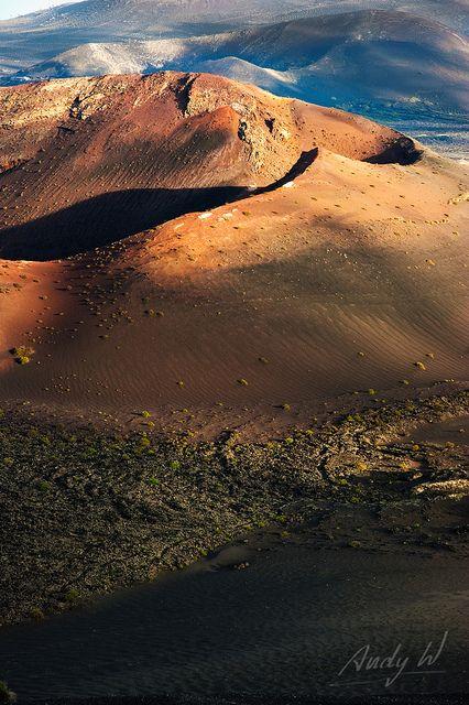 Monte Rodeo - Timanfaya, Lanzarote//Lanzarote, autrefois appelée en français Lancerotte, est une île d'Espagne située dans l'océan Atlantique et faisant partie des îles Canaries. Wikipédia