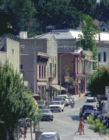 Placerville CA, adorable little town at the beginning of the Sierra Mountains coming highway 50 East from Sacramento.  Beautiful main street-- I hope to do a weekend trip here sometime.  Lily and I had a nice Mexican dinner here on our way back from Reno/Tahoe