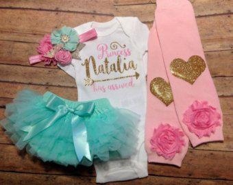 muchacha recién nacida bebé traje casero que por SweetnSparkly