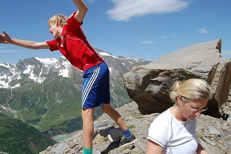 Sikkerheden hos Bjergsport er i orden. Det er  mere gæsterne, der kan være uopmærksomme :)