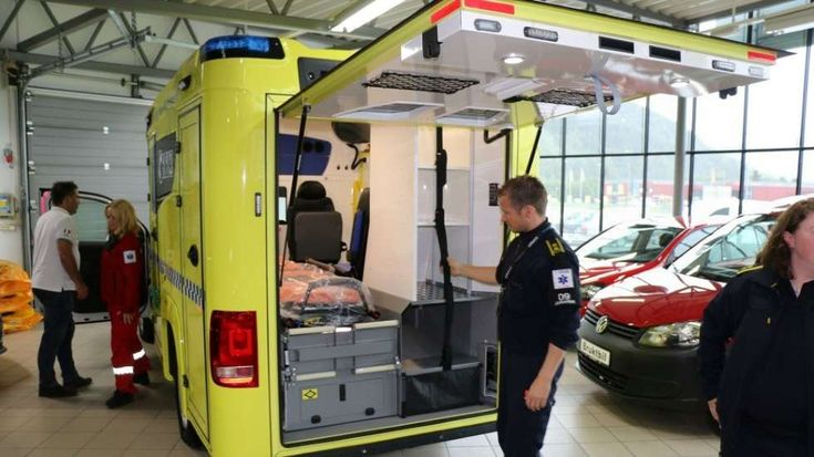 Valget falt på denne typen på grunn av sikkerheten, arbeidsmiljøet og ergonomien. The choice fell on this type of ambulance because of it's safety, working environment and ergonomics. Read article in Norwegian: http://www.avisa-st.no/nyheter/2015/10/08/Har-du-sett-denne-p%C3%A5-veiene-11662542.ece