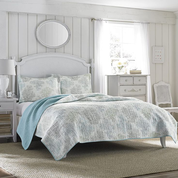 Laura Ashley Reversible Quilt Set, Twin, Saltwater Blue