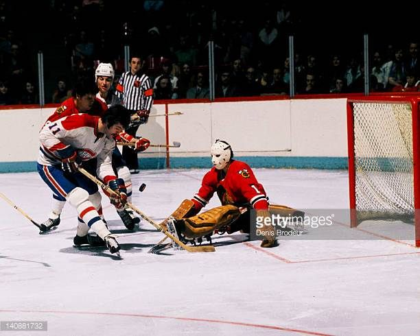 goaltender-gerry-desjardins-of-the-chicago-blackhawks-saves-a-shot-picture-id140881732 (612×490)