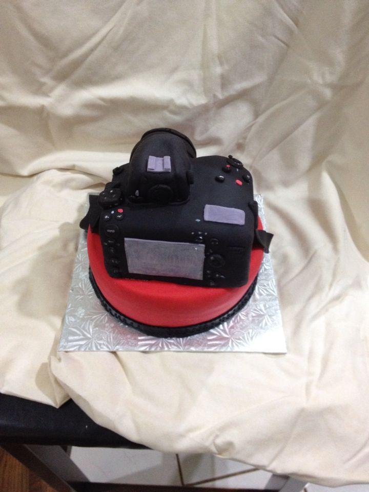 Nikon D800 Camera Cake Rear View