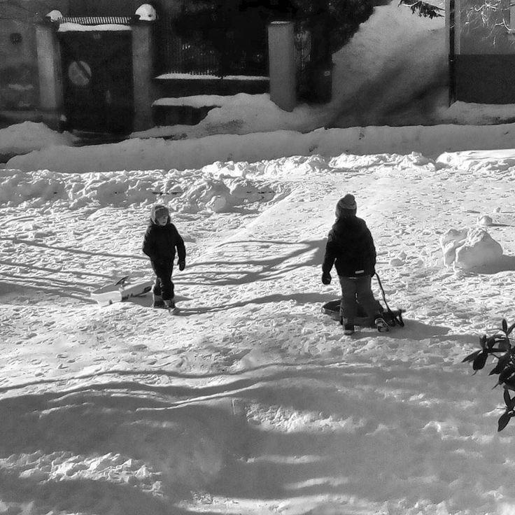 #snow #dialogue #citylife #city #mycity #reichenberg #liberec #libereckykraj #blackandwhite #blackandwhitephotography #mobilephotography #instadialy #insta_czech #czech_world #czech_insta #igraczech