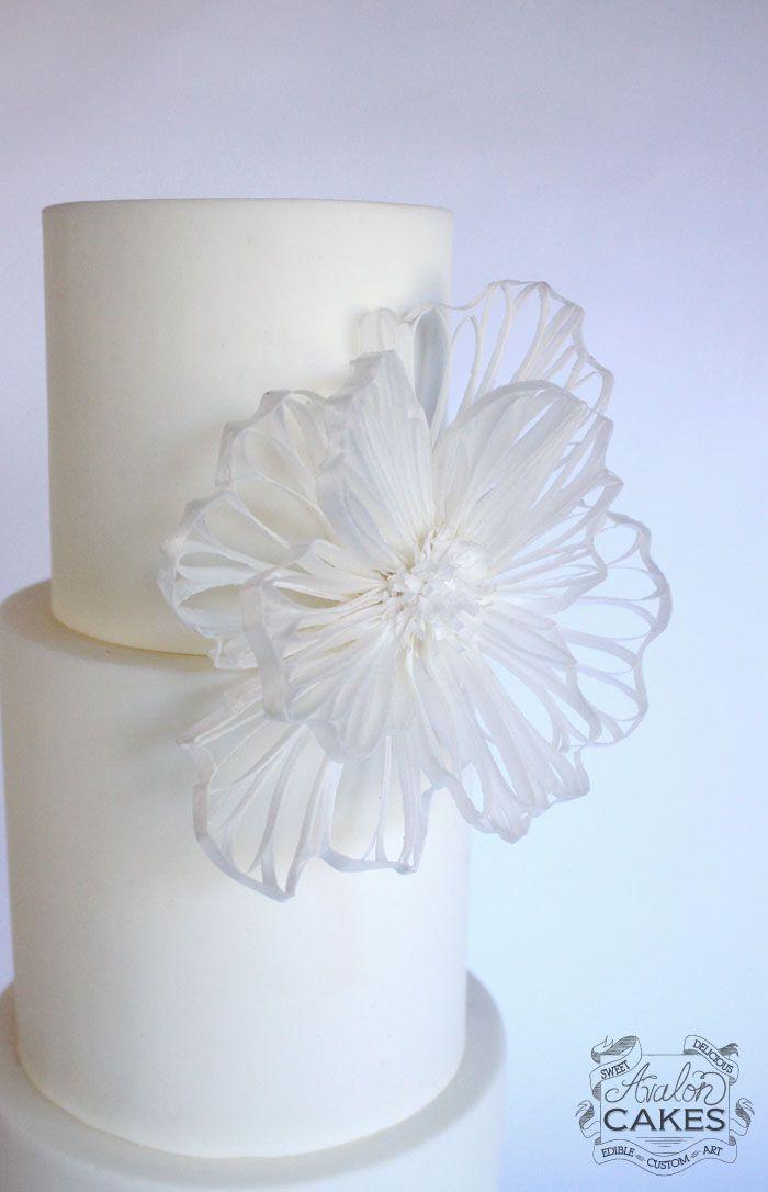 FREE Wafer Paper Filigree Flower Lesson www.avaloncakesschool.com