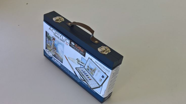Royal & Langnickel Acrylic Travel Easy Art Set.   All housed in a sturdy wooden carry case with handle.