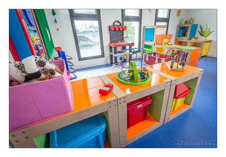 Salle de jeux à la Maison des Parents de Nantes meublée avec des lems Fabulem !