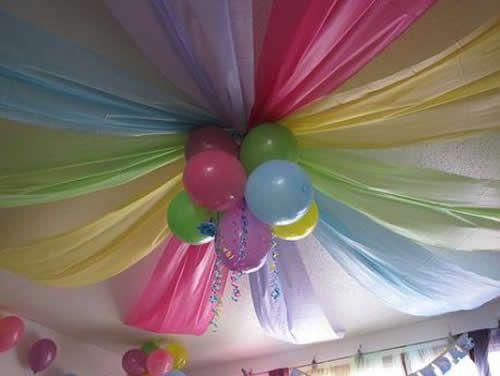 Decoração com bexigas para festas