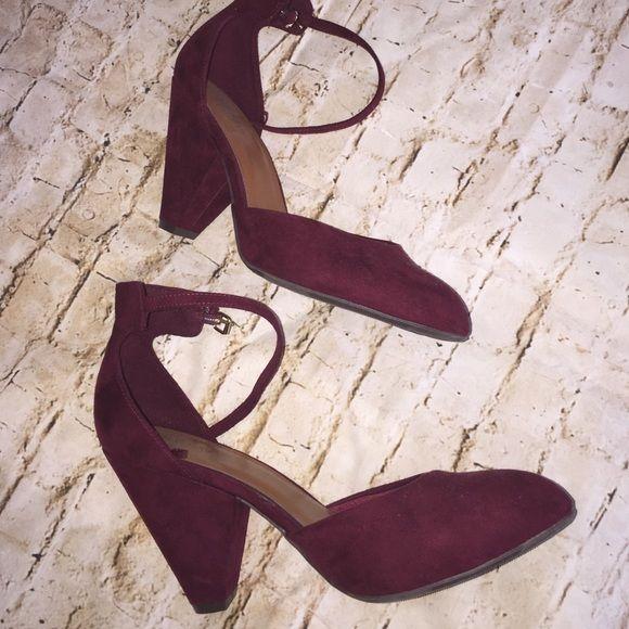 Cute burgundy heels NWOT suede burgundy heels, 3 inch heel perfect for work and play . Old Navy Shoes Heels
