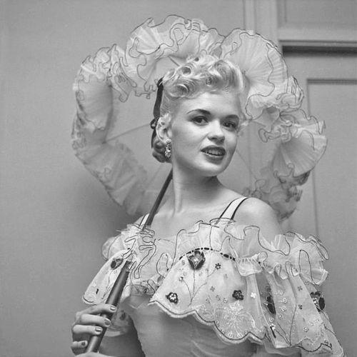17 best images about jayne mansfield on pinterest posts for How old was jayne mansfield when she died