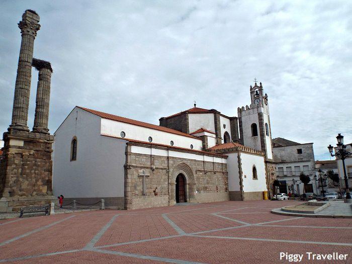Square, Zalamea de la Serena. Extremadura, Spain. http://www.piggytraveller.com/zalamea-most-famous-mayor-spain/