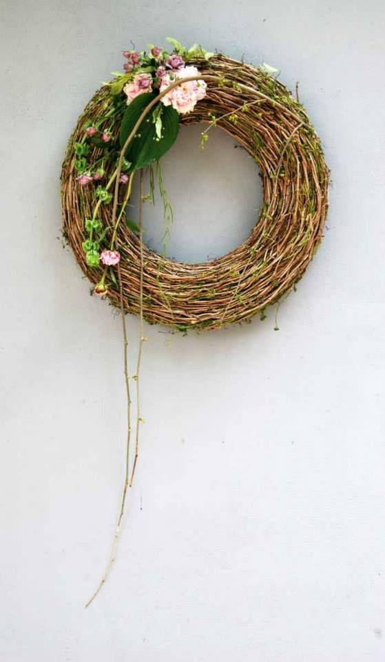 Homemade wreath with flower arrangement - Facebook