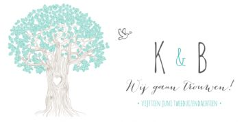 Hippe trouwkaart met grote getekende boom en duifje. U kunt uw initialen in de boomstam zetten.