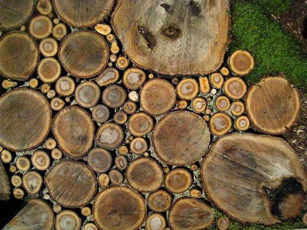 wood walkway Wonderful Wood Sliced Walkway - fill the gaps with pebbles and coat with clear heavy epoxy